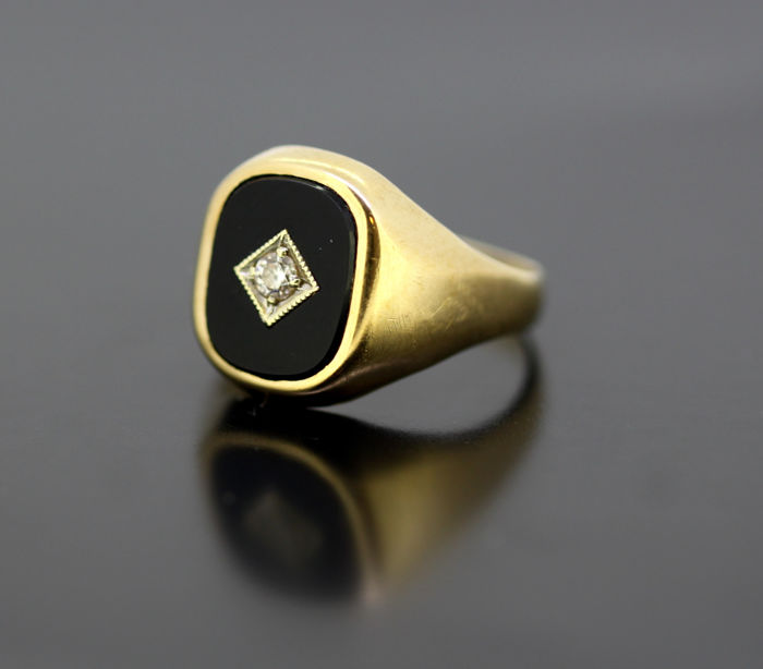 Vintage 9k gold ring with onyx & diamond - Gold