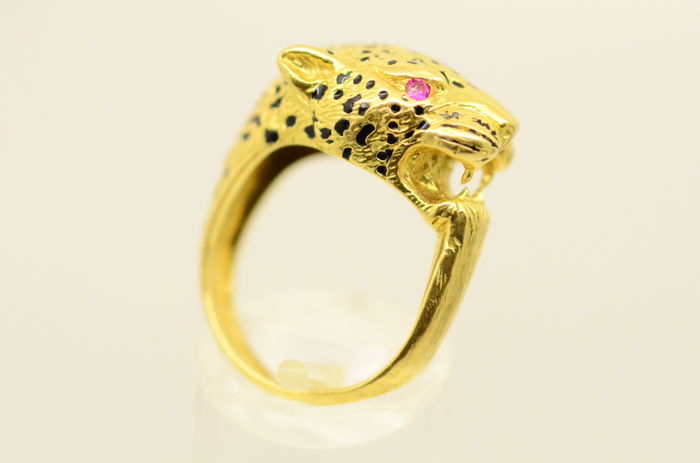 Beautiful, unique and cool leopard ring