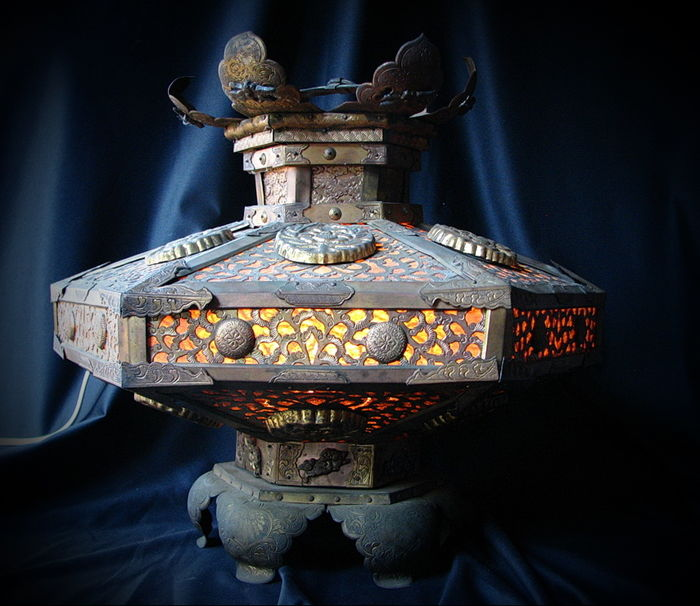 Large Japanese TEMPLE LAMP  - Japan - early 19th century (late Edo period)