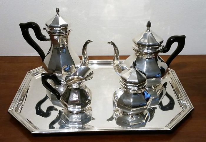 Coffee and tea service - .800 silver - Italy - Second half 20th century
