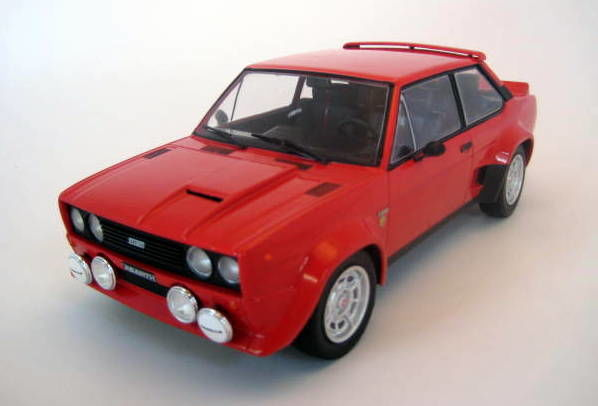Models IXO - 1:18 - Fiat 131 Abarth 1980 Red - Limited Edition