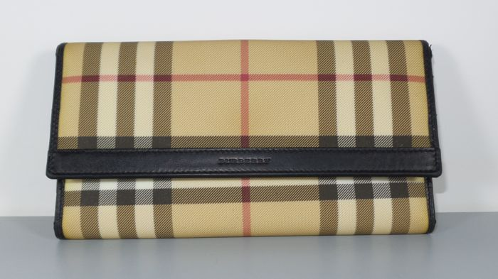 262597157cac Burberry - Continental Wallet - Catawiki