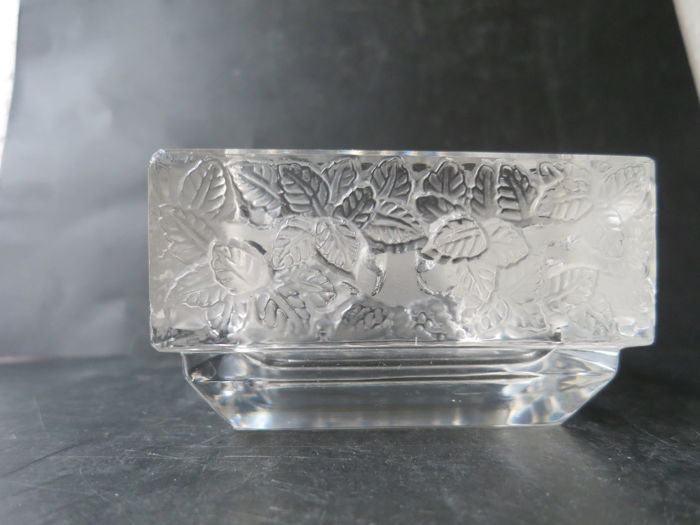 "Lalique - Ashtray - ""Colmar"" of 1"