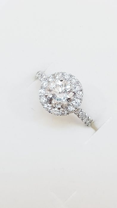 Ring in 18 kt white gold with diamonds totalling 2.14 ct