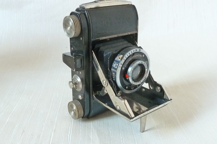 Welta WELTIX 35mm Folding Camera, Germany c 1938