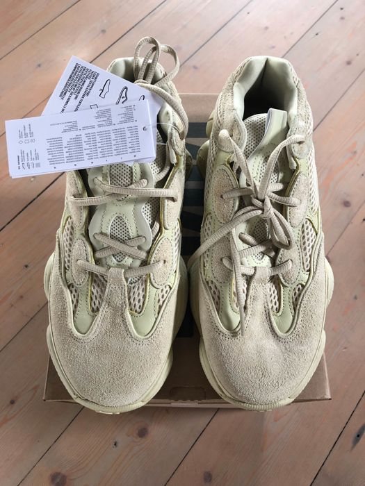 official photos c65e3 edd53 Adidas - Yeezy 500 Super Moon Yellow - Catawiki
