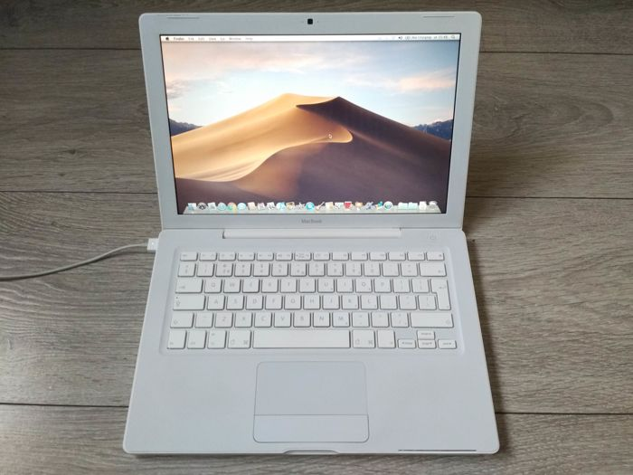 "Apple MacBook White 13"" (Late 2007) - Core2Duo 2Ghz CPU, 2GB RAM, 80GB HDD, Combodrive - with original charger"