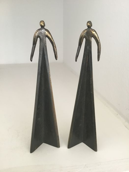 "Corry Ammerlaan - Sculpture ""Two women"""