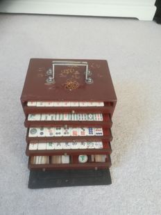 Antique mahjong game in box - China - 1st half of the 20th century
