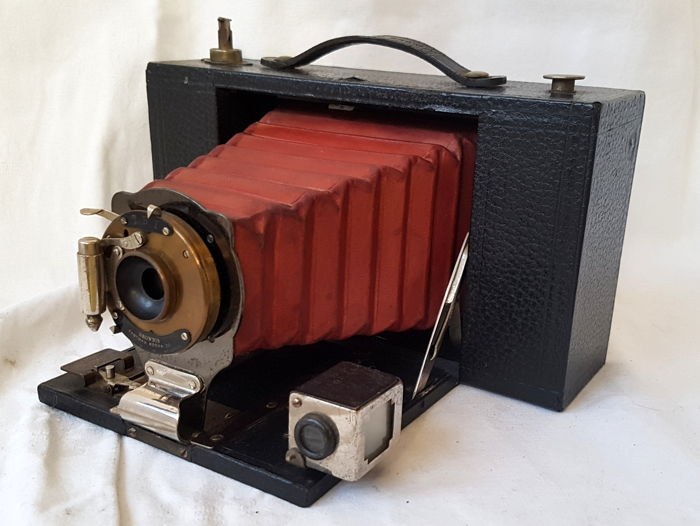 Kodak No. 3 Folding Brownie Camera model D