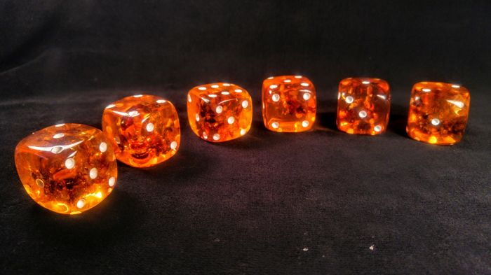 Amber (fossilized resin) Dices - 3×3×3 cm - 152 g - (6)