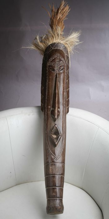 Large figurine in wood and Straw 127 cm - Cameroon