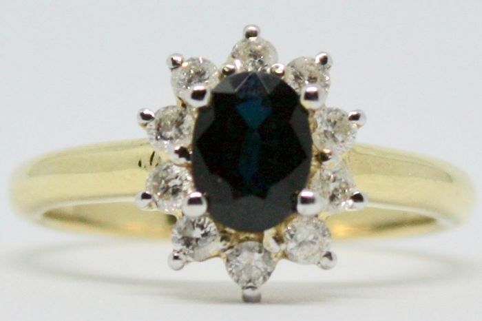 18 kt Ring - Diamond and Sapphire - Size O 1/2 (UK) or 56 (EU)  - No Reserve Price
