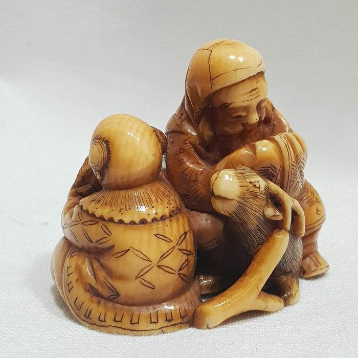 Ivory netsuke - Jurojin with karako - Japan - 1868-1912 (Meiji period)