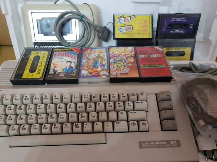 retrogames original Commodore 64 2nd version - Boxed and working ...