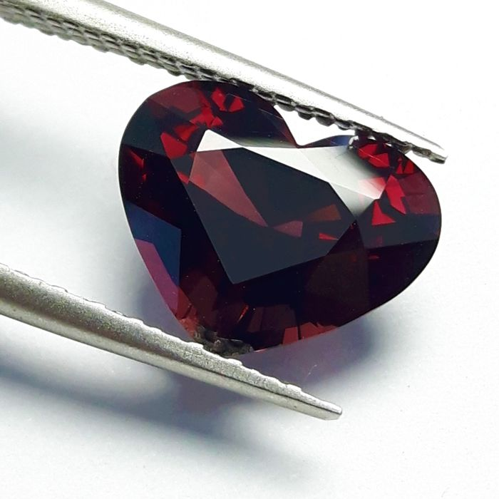 Piros Spinell - 4.18 ct