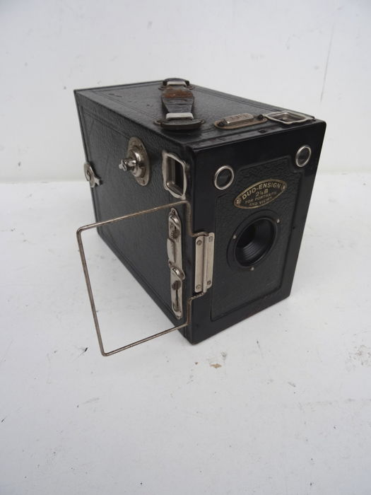 Dark Green box camera DUO-ENSIGN 2 ¼ B - shutter works - see photos for details