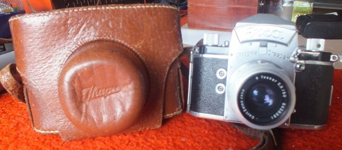 Old camera IHAGEE EXA DRESDEN with original leather case.