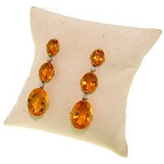 Earrings in 18 kt gold with citrine, 61.23 ct (6 stones) and brilliant cut white diamonds, 0.20 ct (4 stones), G/VS - 5.5 cm