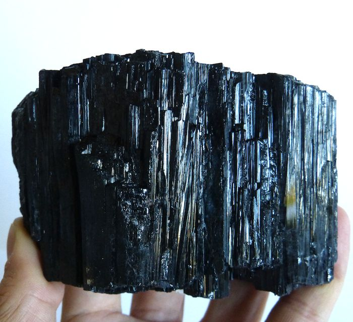 Schorl (black tourmaline) Mineral Collection - 7 x 10,5 cm - 722 g