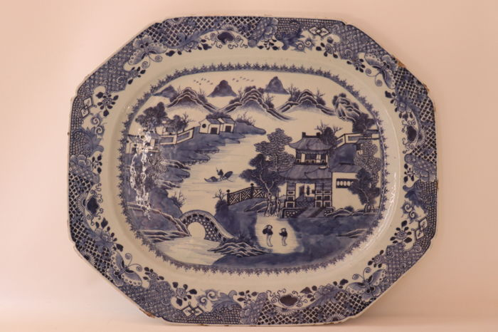 Large Blue and white porcelain tray - China - late Qianlong period, 18th century