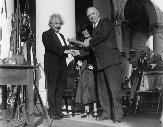 Unknown/International Newsreel - Albert Einstein w. Mayor Porter, Los Angeles, 1931