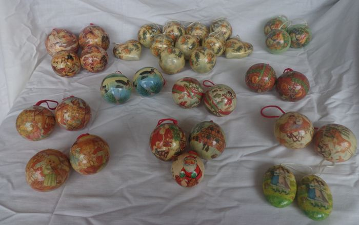 Collection of old Christmas balls - Plastic-Temperature