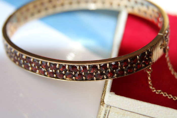 Slave bracelet from around 1900  - Gold-plated - Natural (untreated) - 8 ct - Bohemian Garnets