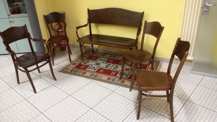 Thonet - Bench - Complete collection of 5