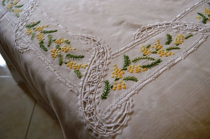 Embroidery linen cover Point needle and handmade mimosas - Linen - 1975-2000