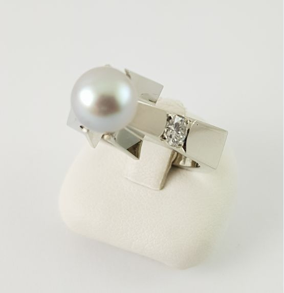 18 kt. 7.51 mm, Freshwater pearl, White gold - Pearl Ring - 750 Gold - 1 Pearl + 2 Diamonds - Diamond