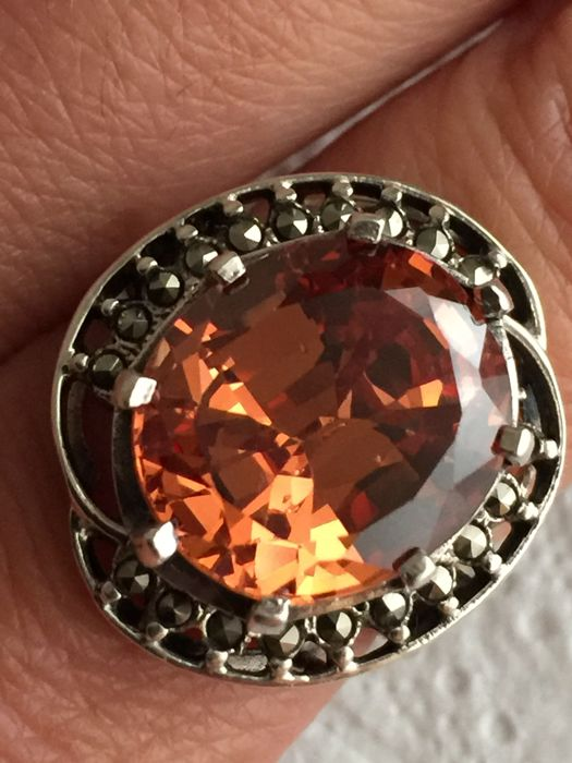 Beautiful antique silver ring with orange stone surrounded by marcasites 925