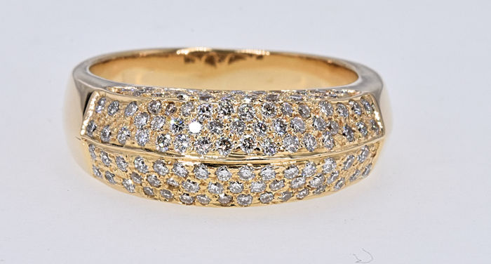 1.24 Ct Diamond Ring. 18kt gold, size 13.5 adjustable. No reserve price.