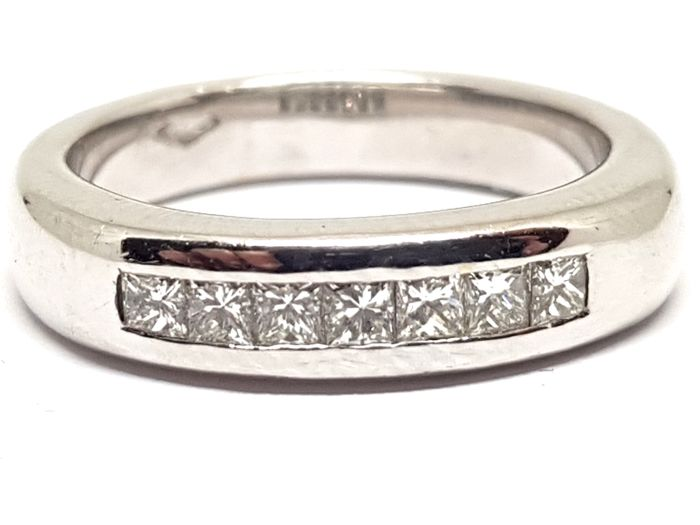 Modern Diamond Memory Ring 0.70ct.