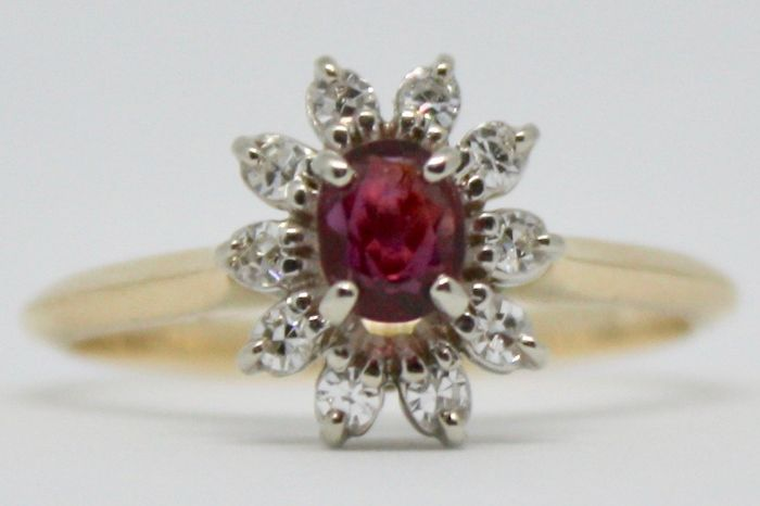14 kt Ring - Diamond and Ruby - Size M (UK) or 6 1/4 (US) - No Reserve Price