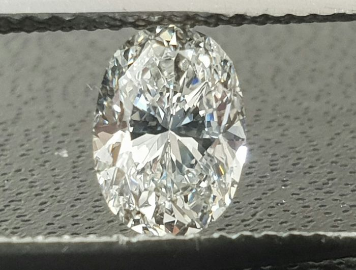 Diamond - 1.01 ct - Oval - F - VS1