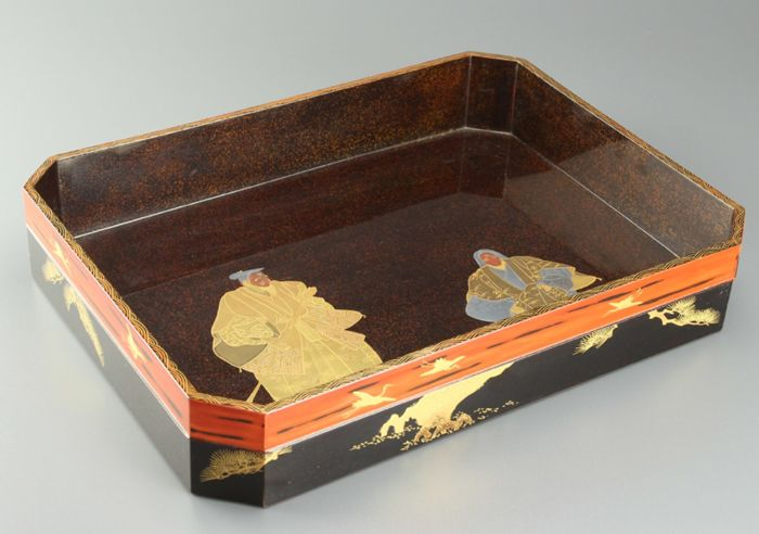 Fine lacquered tray decorated with maki-e Takasago scene - with original tomobako - Japan - 19th century (Meiji Period)