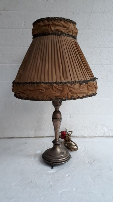 Table lamp in silver 800 - by Italian silversmith Gastone Cappello, Milan