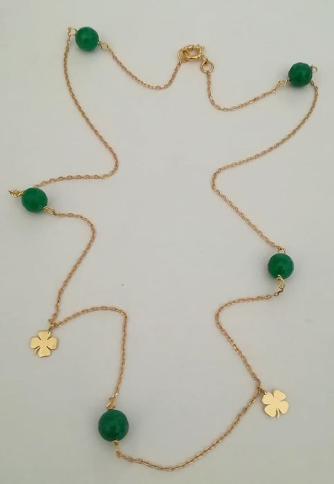 19,2 kt. Gold - Necklace Faceted emeralds 6 mm - with 2 gold clovers