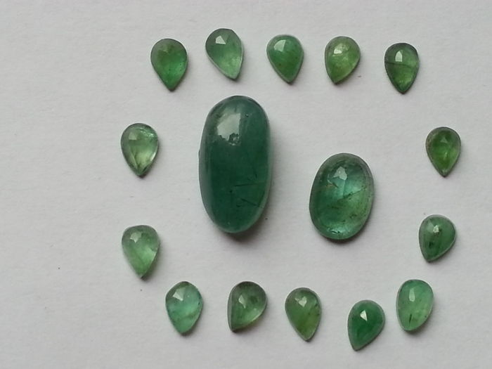 Emeralds - 22,15 cts. total - 16 pieces