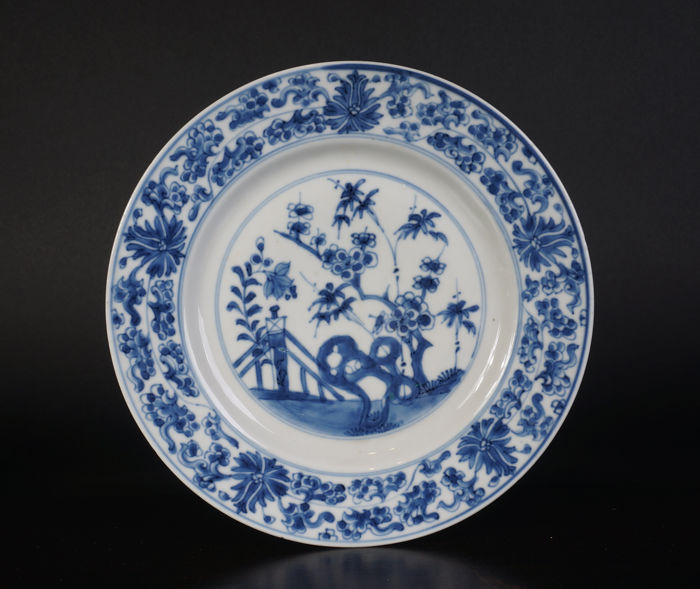Blue and white porcelain plate - China - 18th century