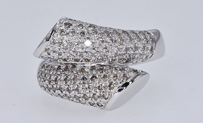 1.67 Ct Diamonds designer ring No reserve price