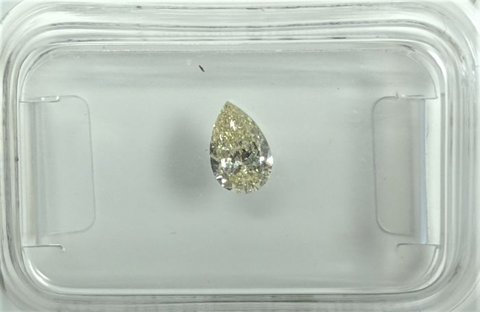 0.30 ct - Natural Pear Diamond - K Color - SI1 - NO RESERVE!