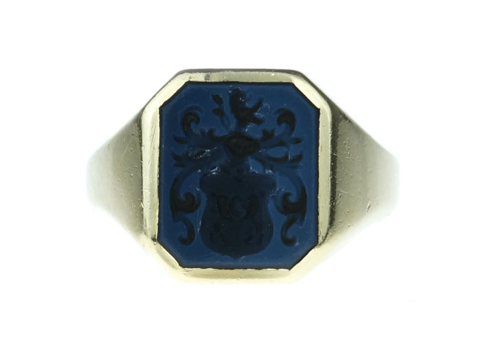 Ring - Gold - Blue Layer stone with weapon