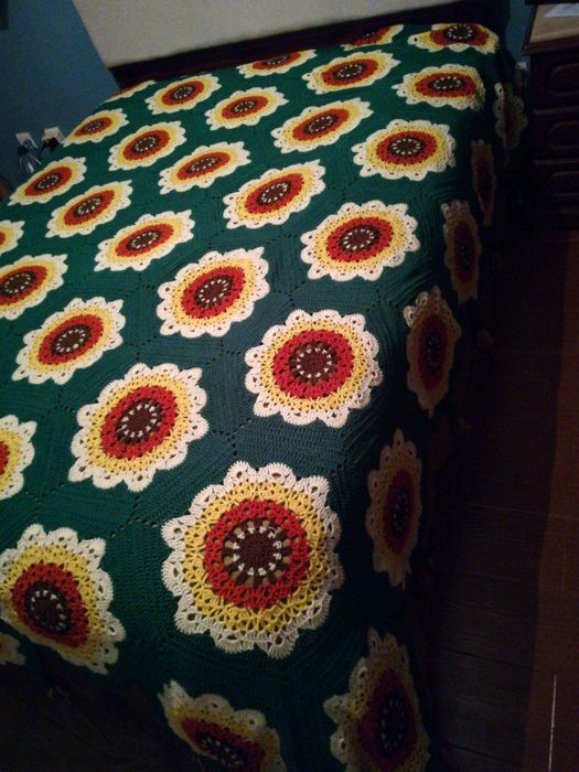 Wool quilt. Very nice handmade work. Private collection from Portugal