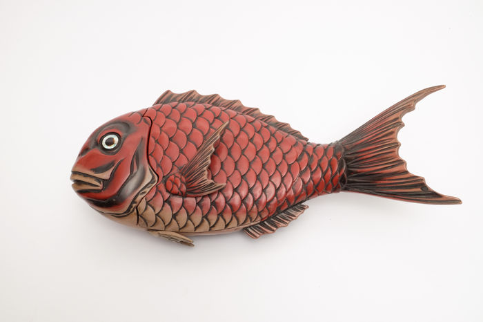 Red lacquered bowl in shape of a koi fish - Japan - Mid 20th century (Showa period)