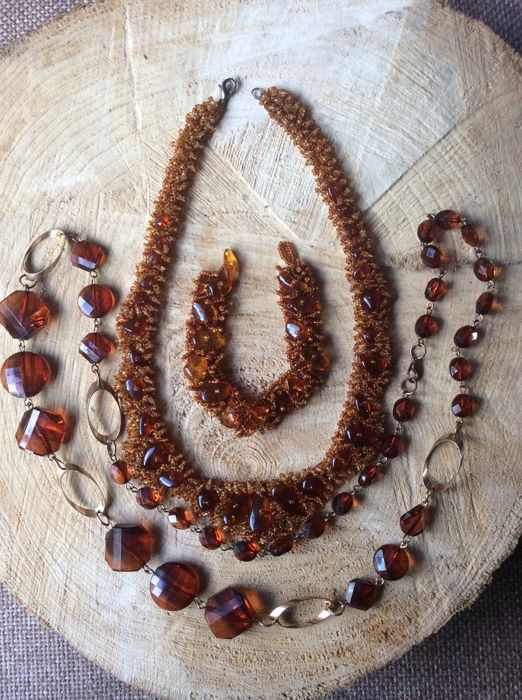 Set of two Amber necklaces and bracelet ,81 grams