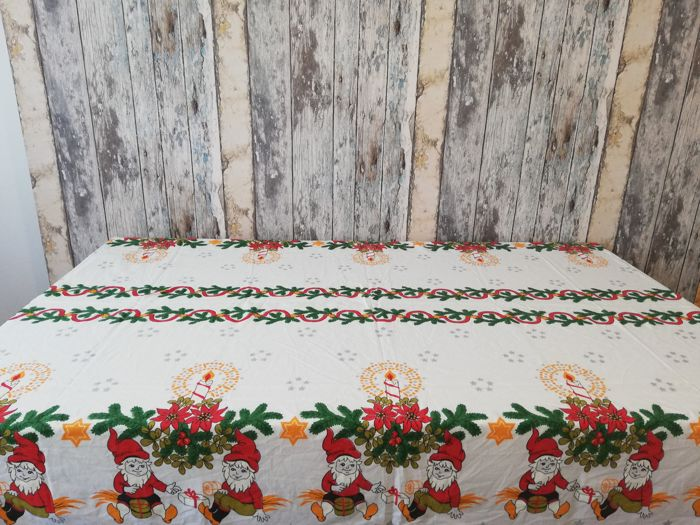 mixed lot vintage gorgeous scandinavian christmas tablecloth unknown