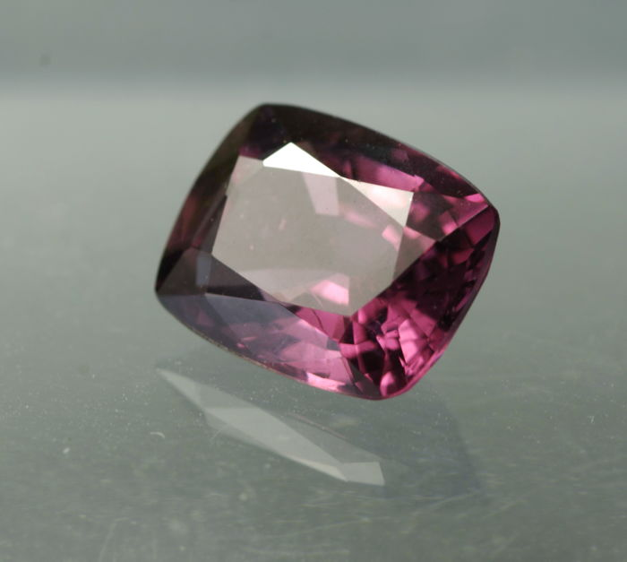 Spinel - 2,46 ct