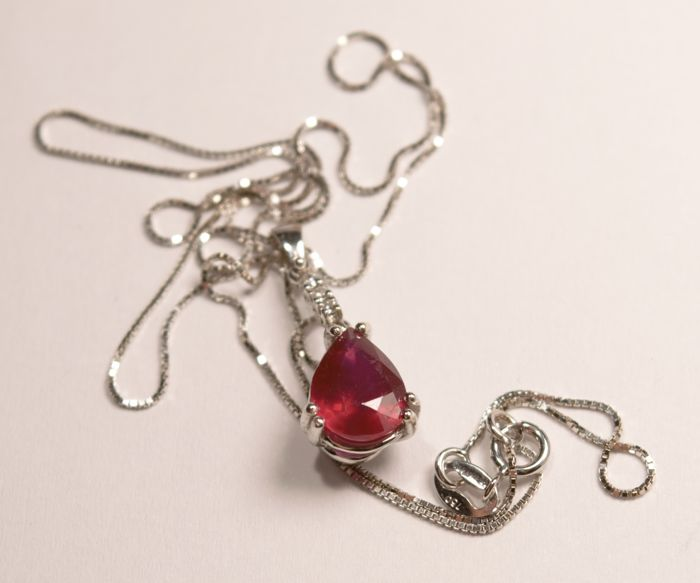 Ruby pendant with diamonds and 18 kt white gold chain - Venetian link chain, 40 cm